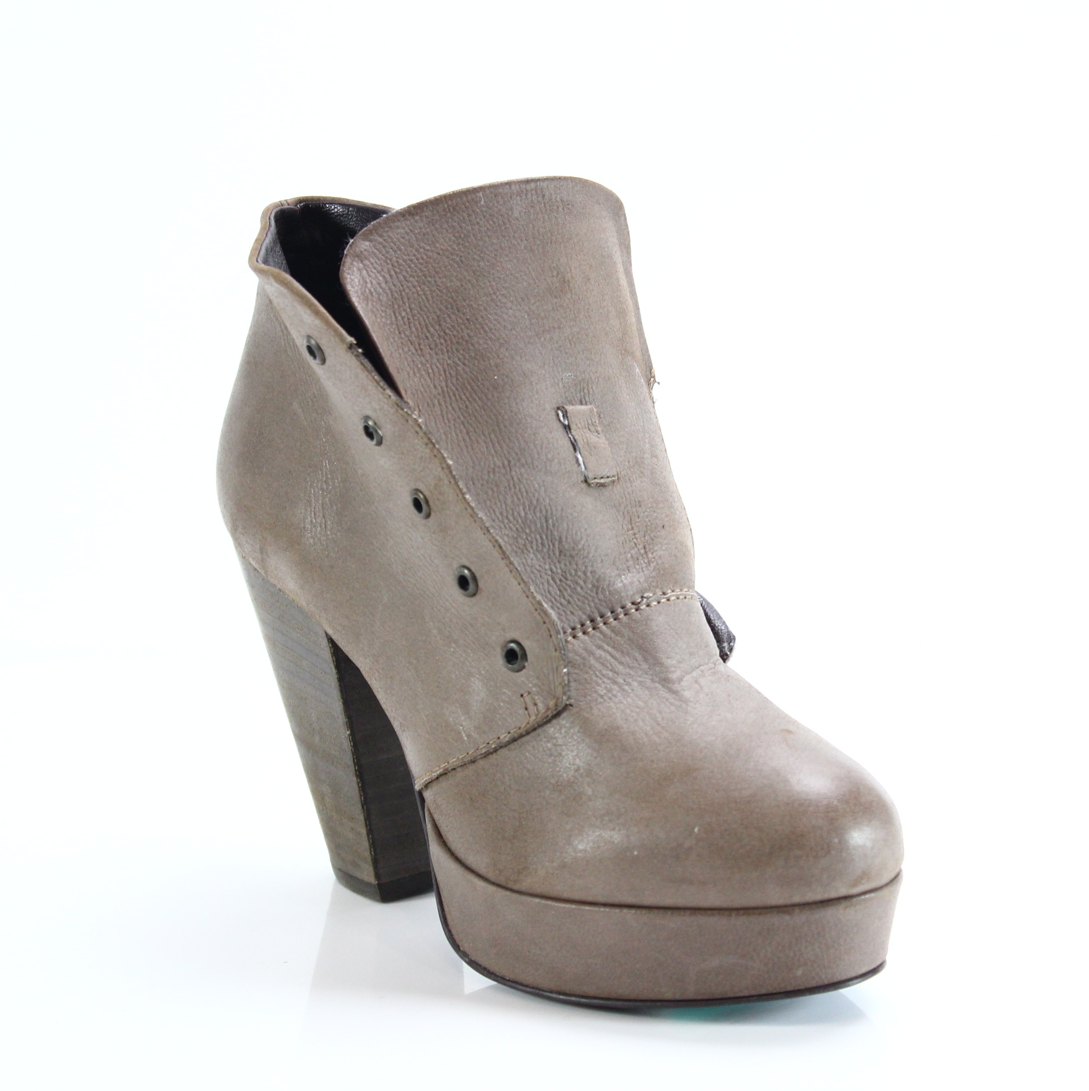 bccf834ee4b Steve Madden NEW Brown Size 7.5M Round Toe Leather Raspy Booties  139-  202